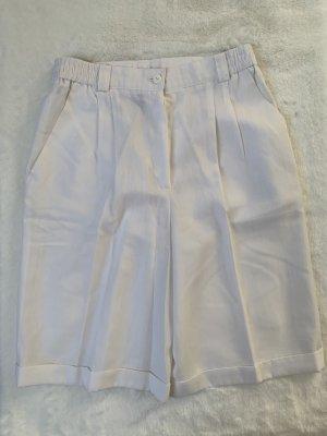 Weiße Weite lockere Shorts Hose Gr. 40