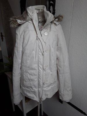 Weiße Winterjacke von Pimkie