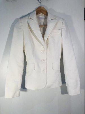 Weißer Blazer für den Sonmer