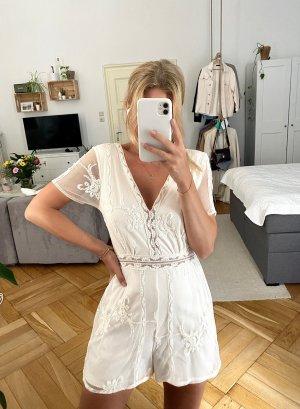 Weißer Jumpsuit mit Stickerei von Zara