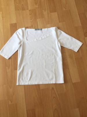 D. Exterior Short Sleeve Sweater white