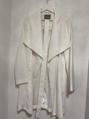 Weißer leichter Mantel