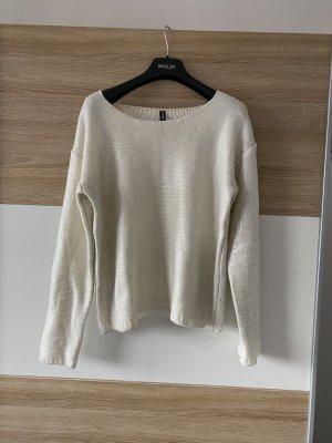 weißer schimmender Pullover