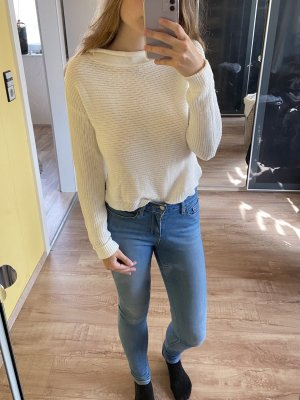 Reserved Knitted Sweater white
