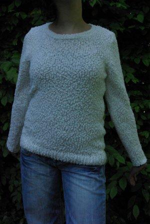 weißer strickpullover aus Knötchenwolle