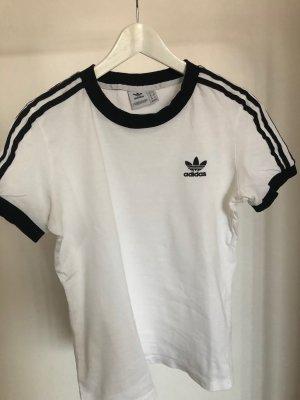 weißes Adidas T-Shirt mit Logo