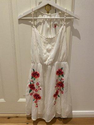 Weißes Bershka Sommerkleid