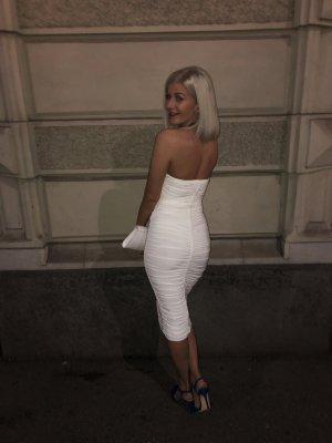 Weißes enges Kleid