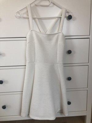 Weißes geripptes Kleid