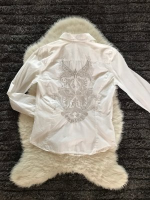 Weißes Hemd mit Stickerei