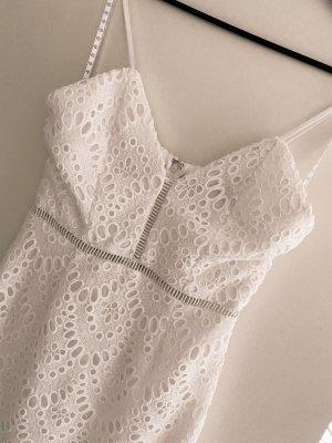 Ołówkowa sukienka biały