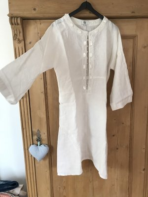 Weißes Kleid