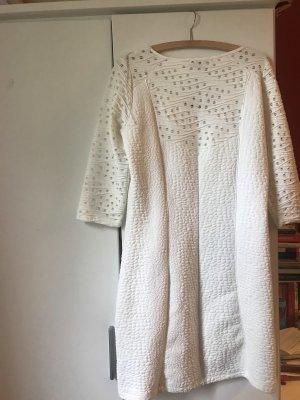 Weißes Kleid.