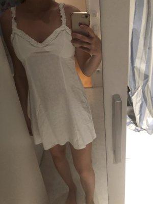 Weißes Kleid mit Rüchen Details