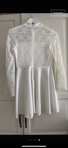 Weißes kurzen Kleid