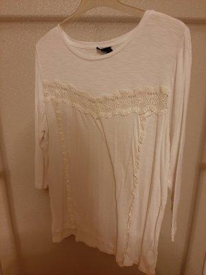 weißes Langarmshirt