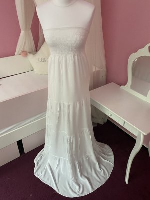 Weißes langes Kleid