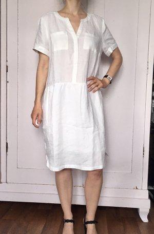 Weißes Leinenkleid