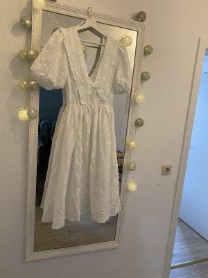 weißes Midikleid Sommerkleid von Zara Lochstickerei und Innenfutter  aus Tüll