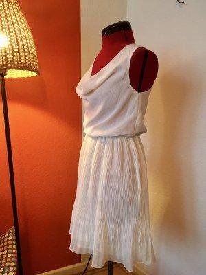 Weißes Plissee Kleid