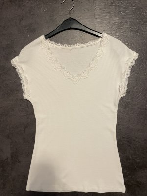 Weißes Rippshirt mit Spitze