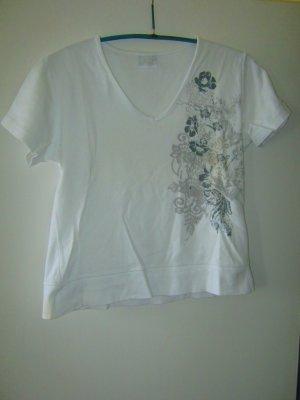 weißes Shirt mit blauen Blumen