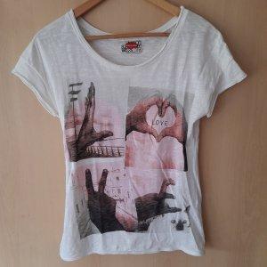 Weißes Shirt mit LOVE Bildern