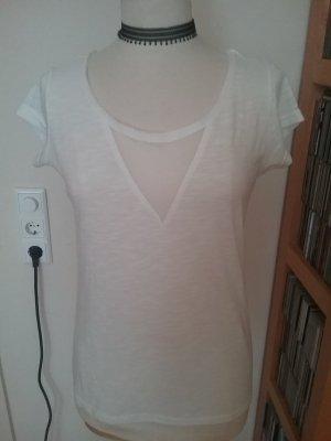 Weißes Shirt mit Mesheinsatz