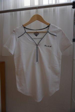weißes Shirt mit schwarzen Details