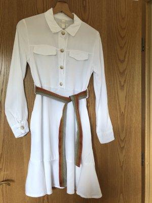 Weißes Sommerkleid