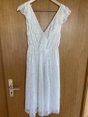 Weißes Sommerkleid aus Spitze von Zara