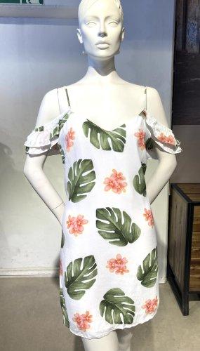 Weißes Sommerkleid im Palmendruck, mit Cold-Shoulders