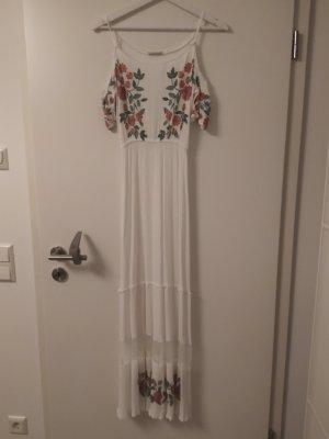 Weißes Sommerkleid im tollen Details!