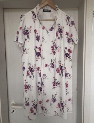 Weißes Sommerkleid mit Blumenprint