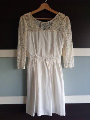 Weißes Sommerkleid mit offenem Rücken und Spitze, Gr. 34, Vintage-Look