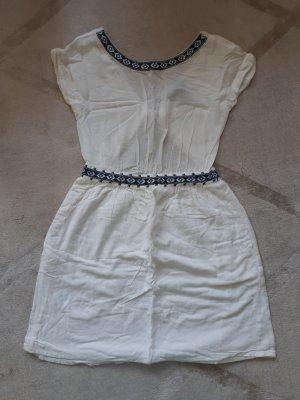 weisses Sommerkleid Rückendetail