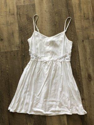 Weißes Sommerkleid von H&M