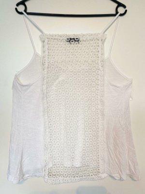 Weißes, sommerliches Kleidungsstück / Oberteil / Shirt / Top für Damen / Frauen / Mädchen mit einem U-Ausschnitt