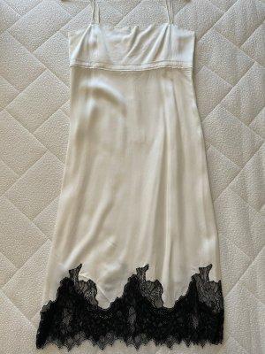 Weißes Spitzenkleid von Zara