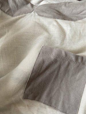 Weißes T-Shirt mit Kragen- und Taschedetails
