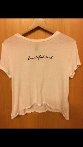 Weißes T-Shirt mit schwarzer Schrift