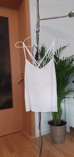 Weißes Top mit schönem Rücken