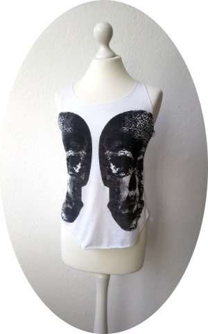 Weißes Top mit Totenkopf-Print