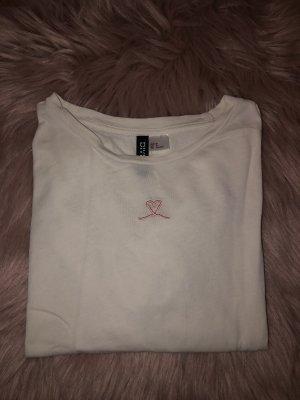 weißes tshirt mit herzchen