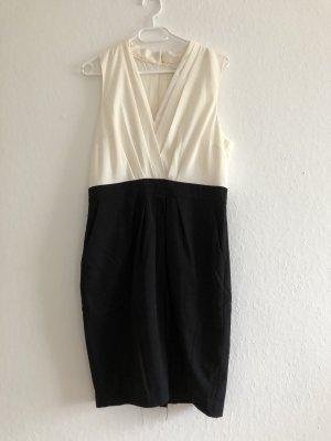 Weißes und schwarzes Kleid