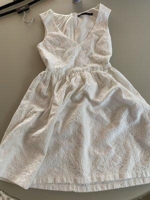 Weißes zara Kleid mit v neckline