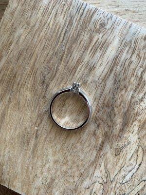 Weißgoldener 585 Ring von Christ mit Diamant 0.1 Karat