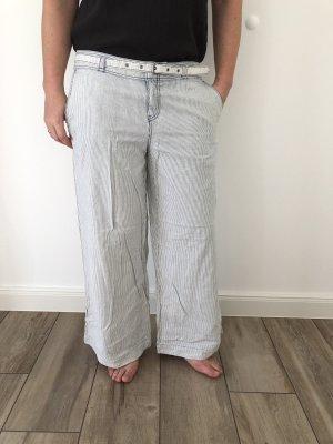QS by s.Oliver pantalón de cintura baja blanco-azul celeste