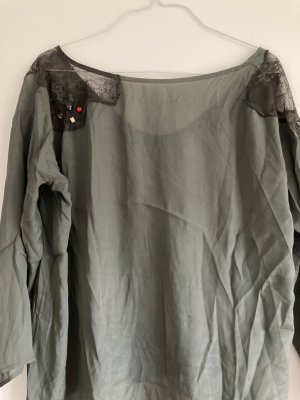 Weit geschnittenes Shirt mit schönen Details