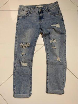 Weite Blue Jeans